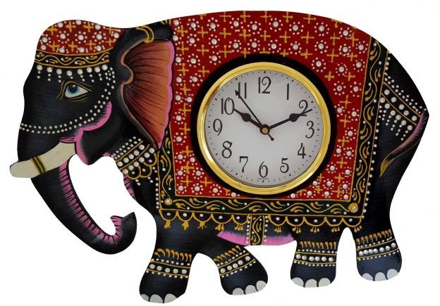 Wall Clocks With Royal Statues